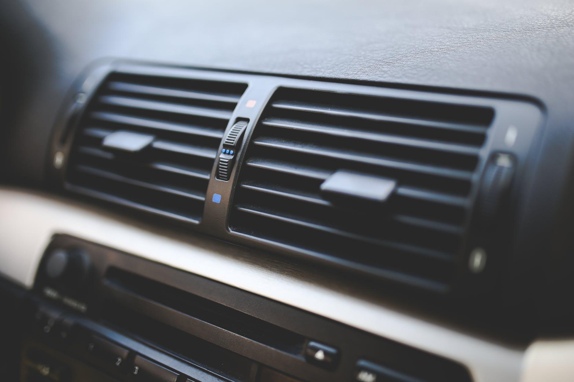 Aerul condiționat de la mașină 1auto.ro